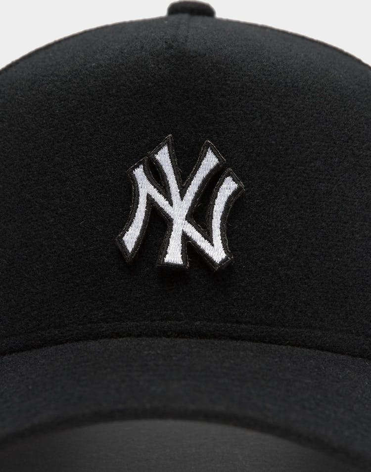 Men's New Era New York Yankees Velcro Patch 9FORTY A-Frame Snapback Black