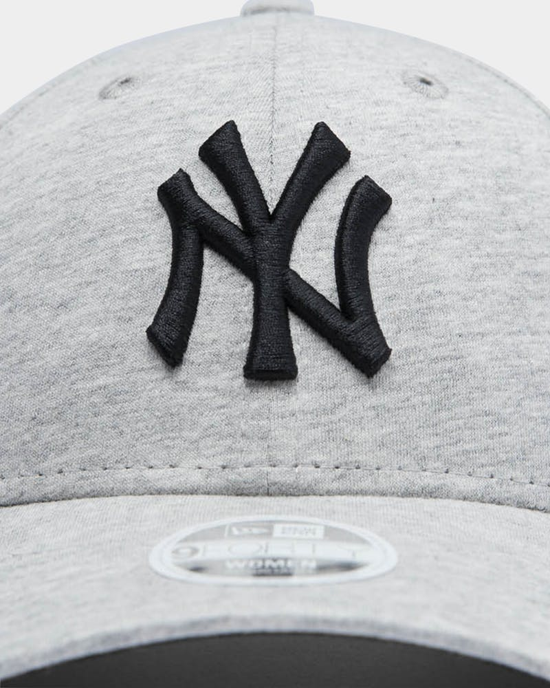 New Era Women's New York Yankees 9FORTY MLB Strapback Heather Grey/Black
