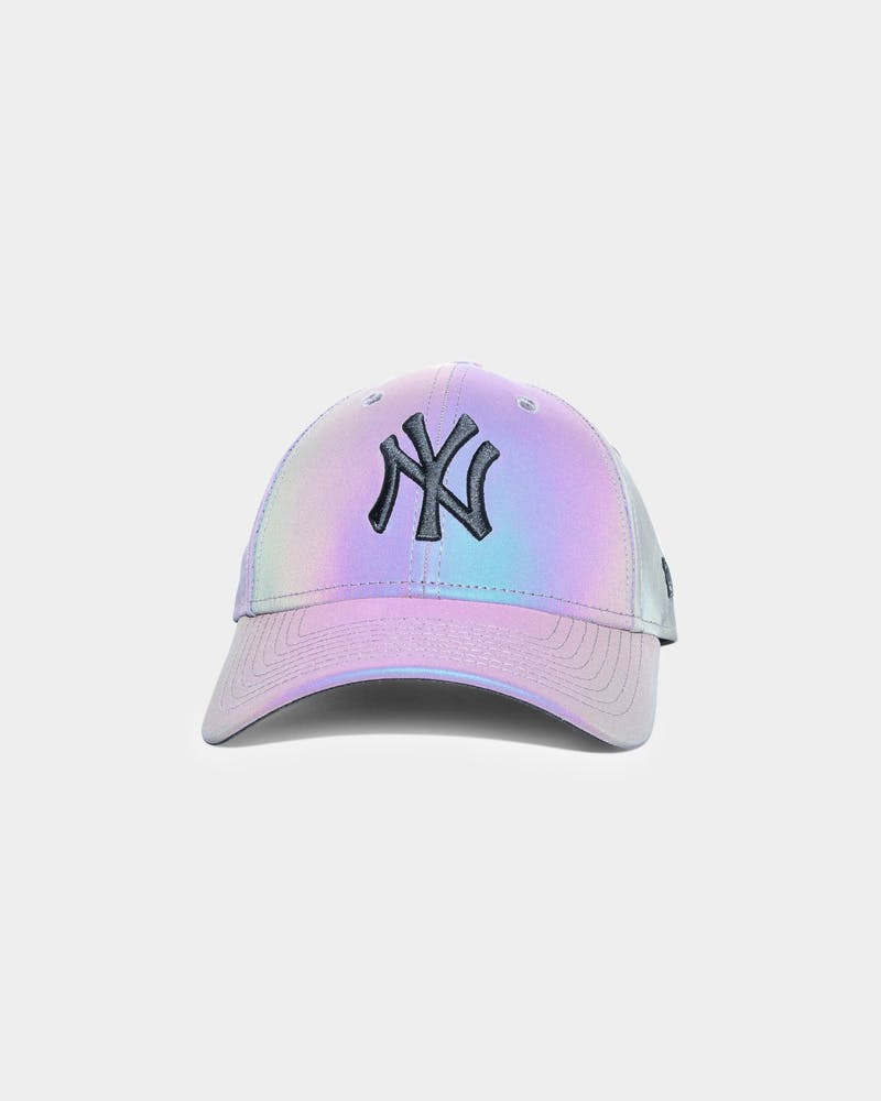 New Era Women's New York Yankees Rainbow Reflective 9FORTY Strapback Rainbow Reflective