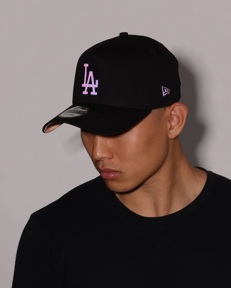 New Era Los Angeles Dodgers Black Rainbow 9FORTY A-Frame Snapback Black/Rainbow Reflective
