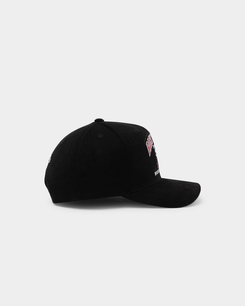Mitchell & Ness Chicago Bulls '91 '92 Champs Pro Crown Snapback Black