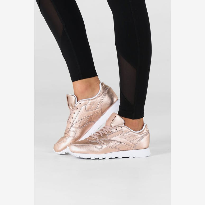 4af7c221e8bf Reebok Women s CL Leather Melted Metal Metallic Peach White