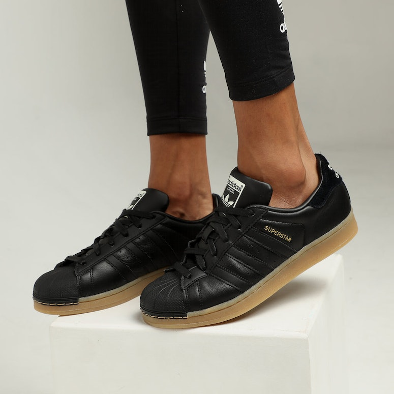 Adidas Women's Superstar Black/Gum