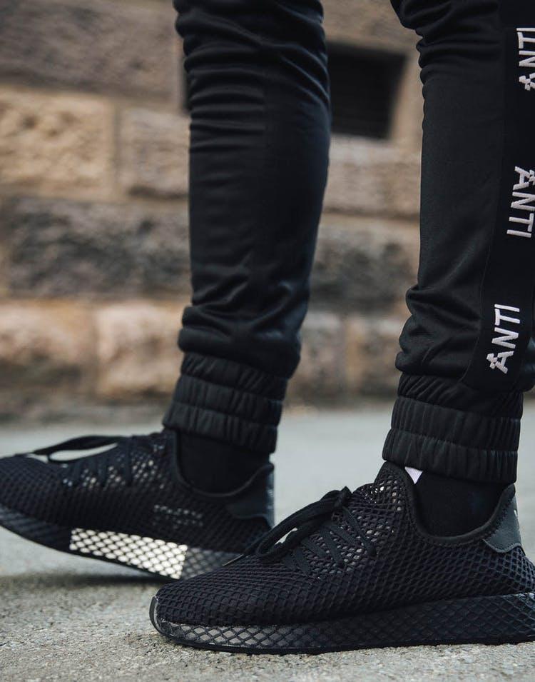 ca28d54f3 Adidas Deerupt Runner Black Black