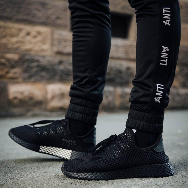 455dc3fddb3b Adidas Deerupt Runner Black Black
