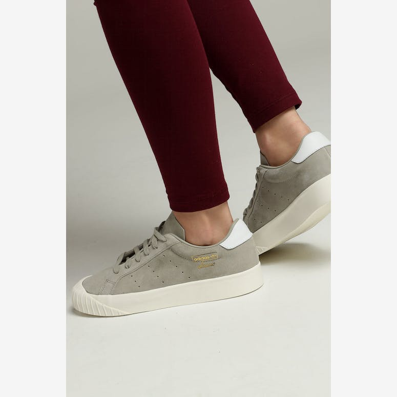 Adidas Women s Everyn Sesame Off White – Culture Kings dd7b37a6f