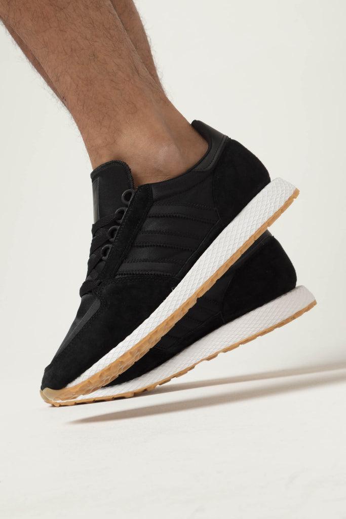 Details zu adidas Forest Grove Black Black Gum Schuhe Sneaker Schwarz Weiß Braun