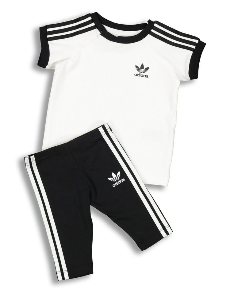 4c0e79433 Adidas Kids 3 Stripes Dress White/Black – Culture Kings