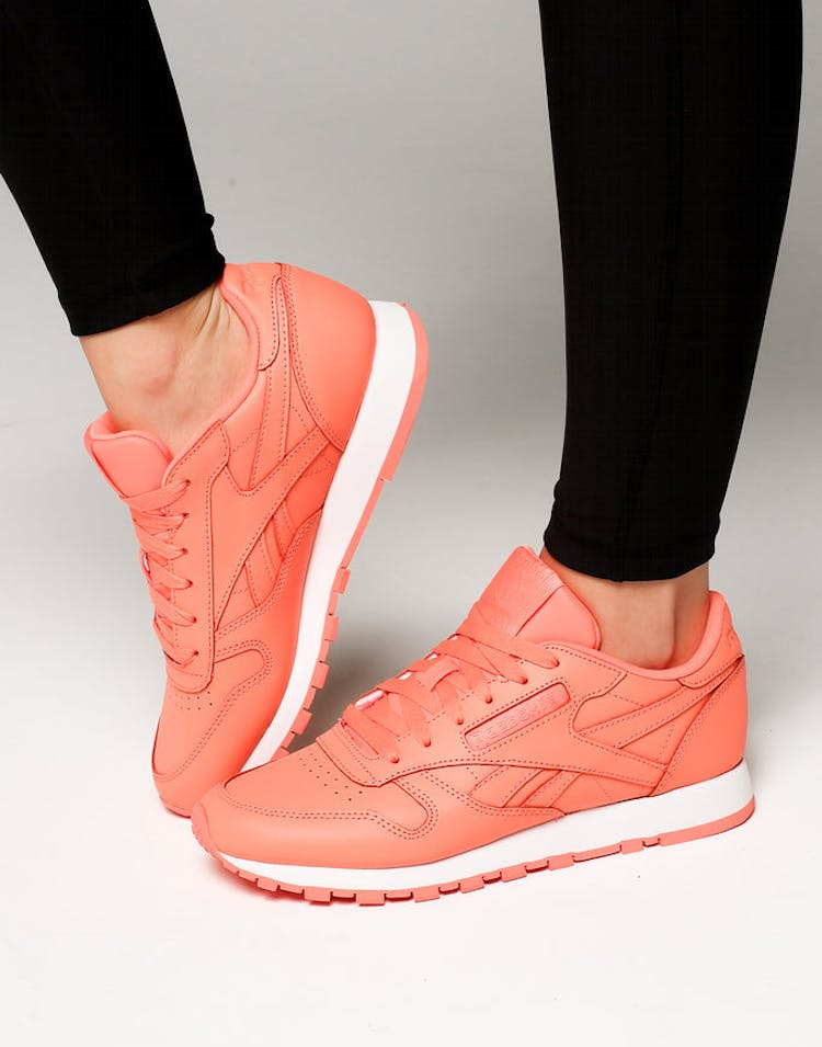 037974b2c3b Reebok Women s Classic Leather Coral White – Culture Kings