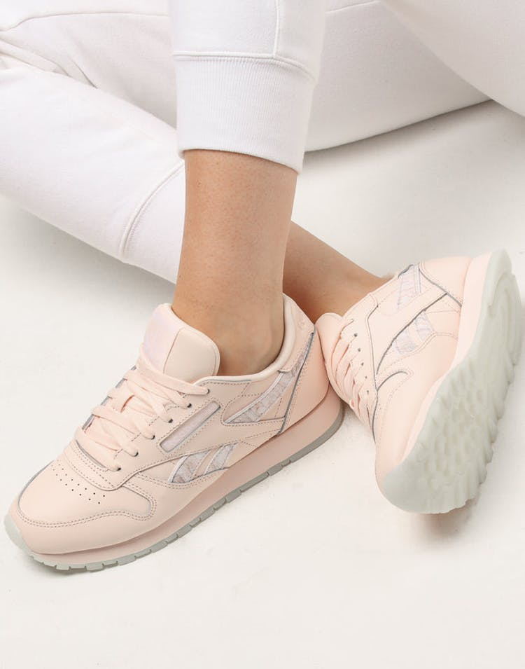 a595bb05187 Reebok Women s Classic Leather Light Pink White – Culture Kings
