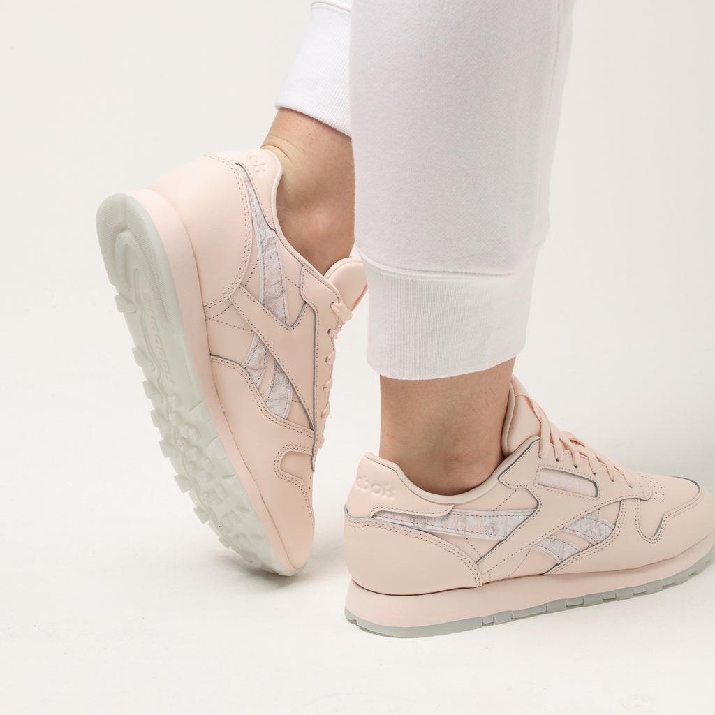 Reebok Women's Classic Leather Light Pink/White