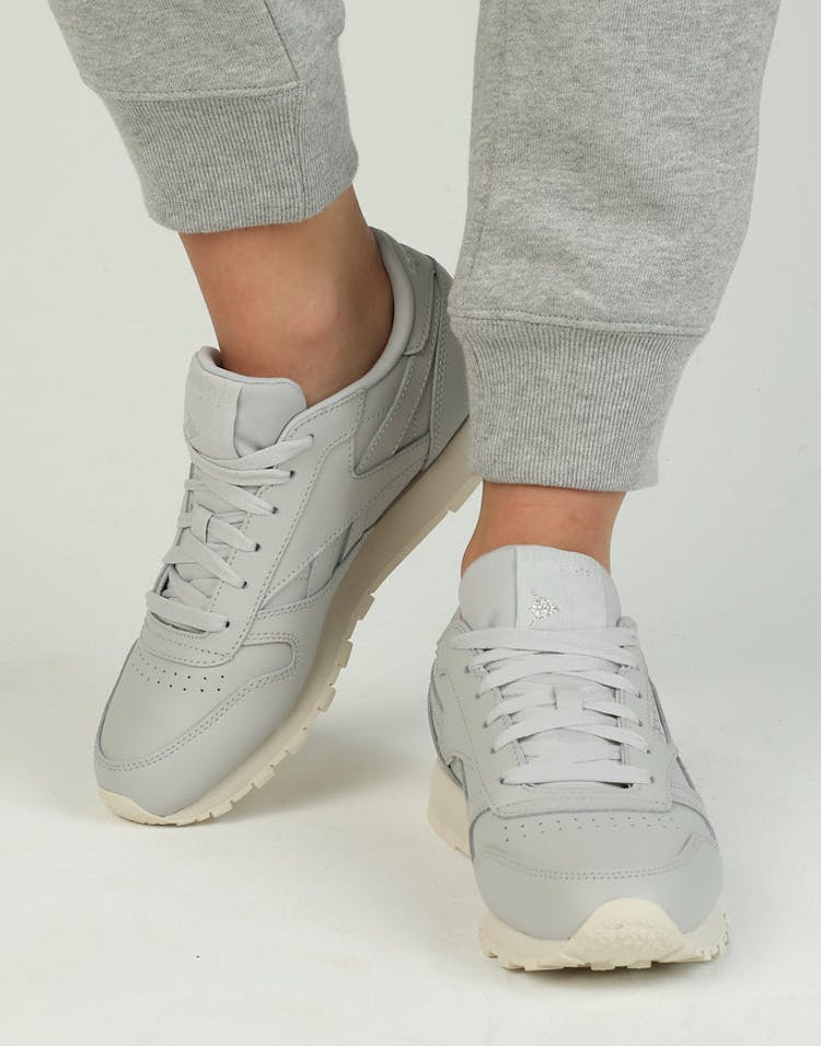 da44e0385d5 Reebok Women s Classic Leather Grey Silver Off White – Culture Kings