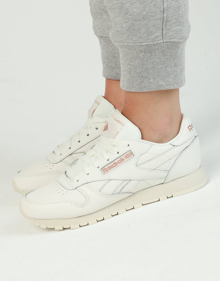 9199b2b32f8 Reebok Women s Classic Leather Chalk Rose Gold – Culture Kings