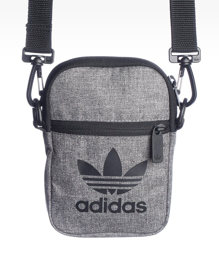 Adidas  Trefoil Fest Bag Black/White