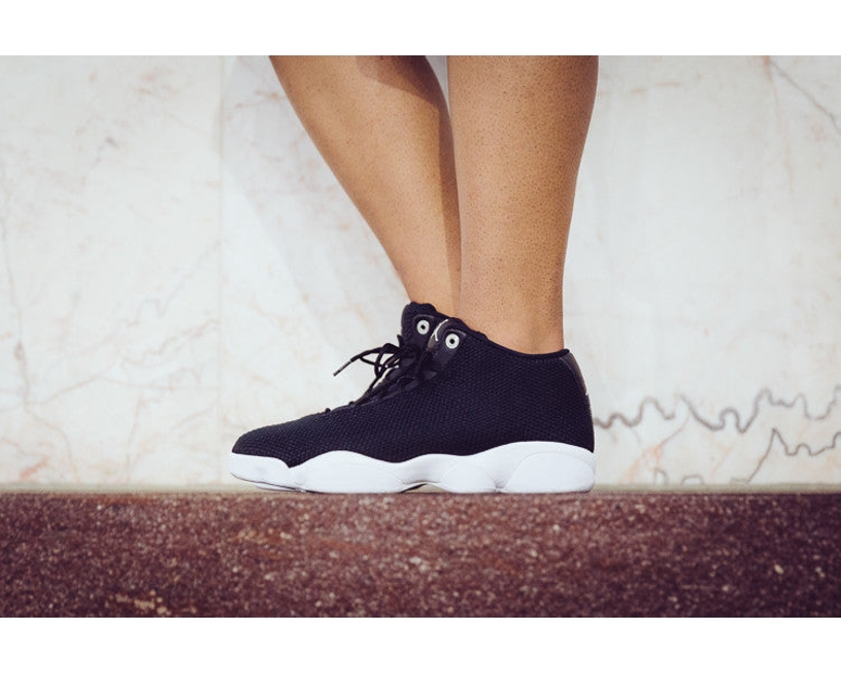 Jordan Horizon Low Black/white
