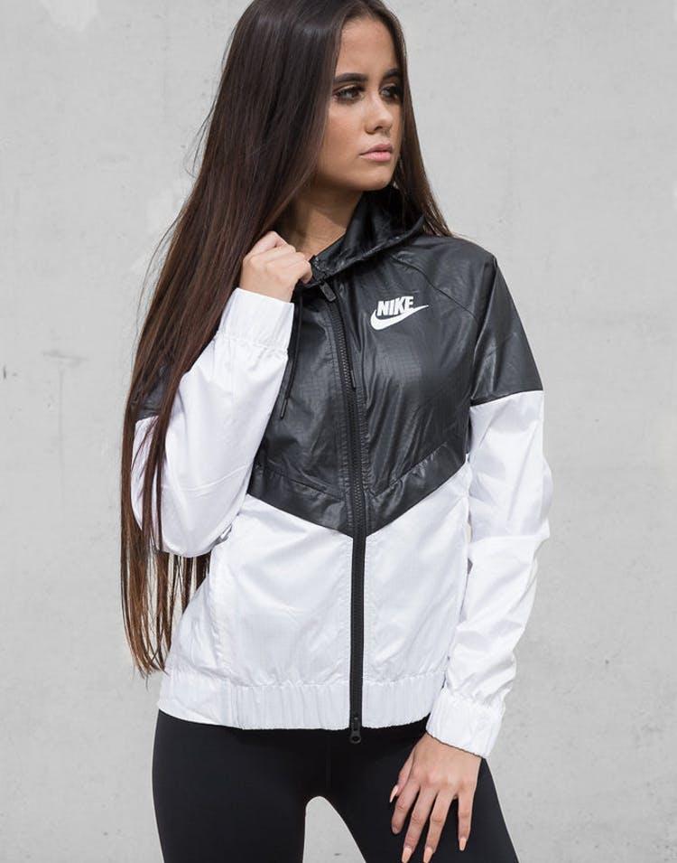 fd6d737f3cbe Nike Women s Windrunner Jacket Black white whi – Culture Kings