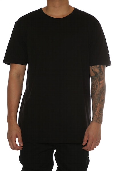 Undefeated Felt Patch Strike Tee Black