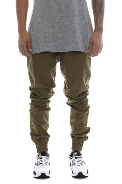 Carré Propre Woven Joggers Olive