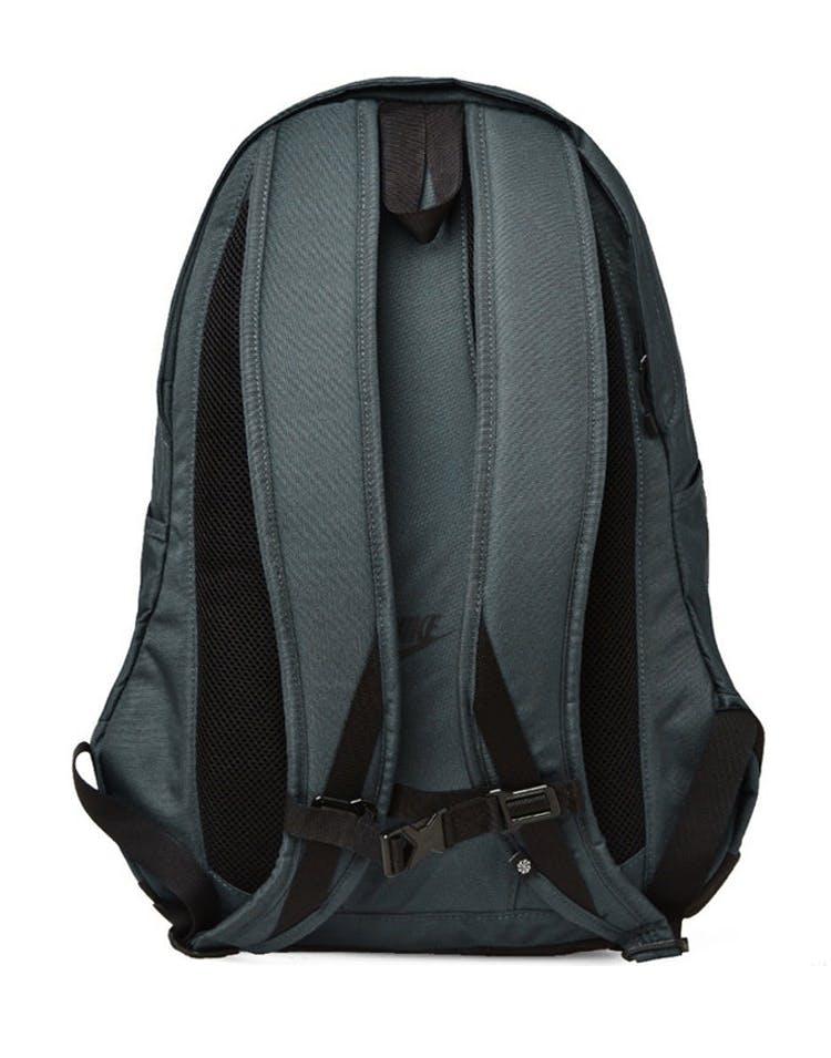 a3bef93d8e4 Nike Cheyenne 3.0 Solid Backpack Dark Grey/Black – Culture Kings