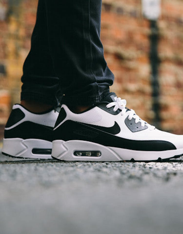 sale retailer 59ed3 62586 Nike Air Max 90 Ultra 2.0 Essential White/Black