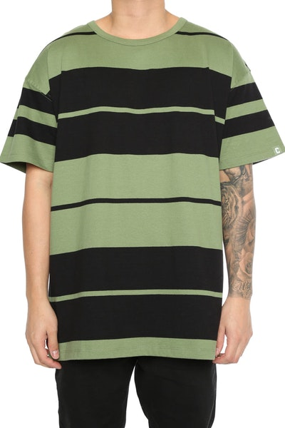 Well Made Chamberlain Tee Army Green/Black