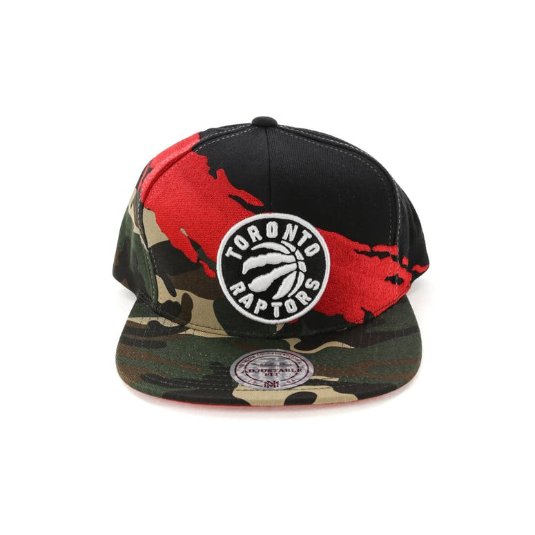 61ecbe0c149a07 Mitchell & Ness Toronto Raptors Camo Paintbrush Snapback Red/Black