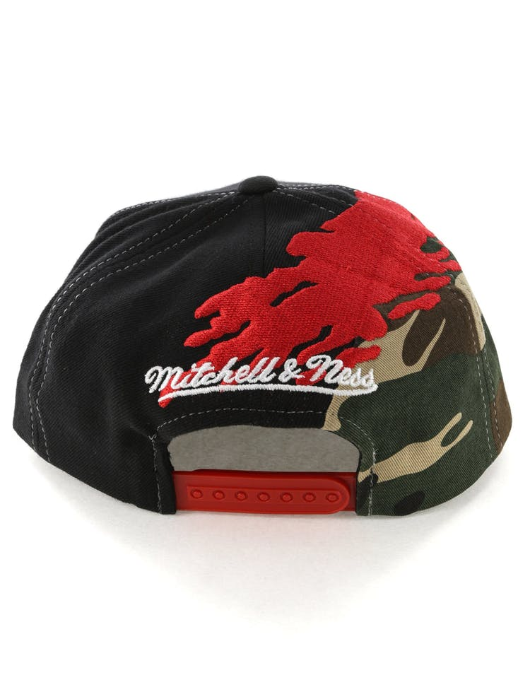 3380a299044600 Mitchell & Ness Toronto Raptors Camo Paintbrush Snapback Red/Black ...
