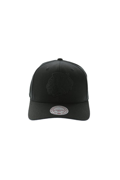 Mitchell & Ness Blackhawks All Black 110 Snapback - Black