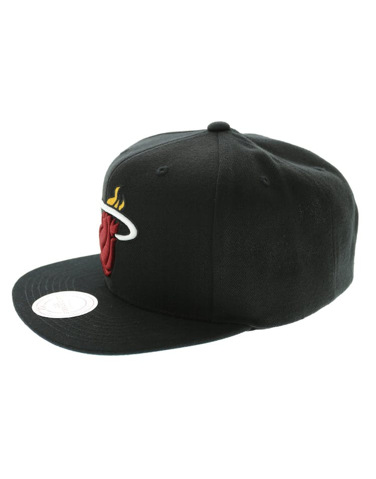 493d1f213 Mitchell & Ness Miami Heat Wool Solid Snapback Black/Green