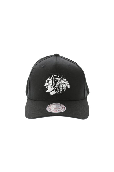 Mitchell & Ness Blackhawks Flex 110 Snapback Black