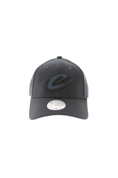 Mitchell & Ness Cleveland Cavaliers Filter 2.0 Snapback Navy