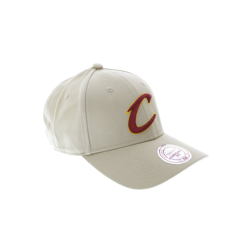 Mitchell & Ness Cleveland Cavaliers Low Pro Strapback Tan
