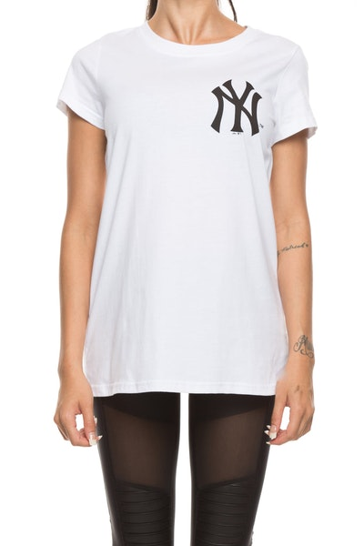 Majestic Athletic Women's Yankees Gamilia Standard Tee White