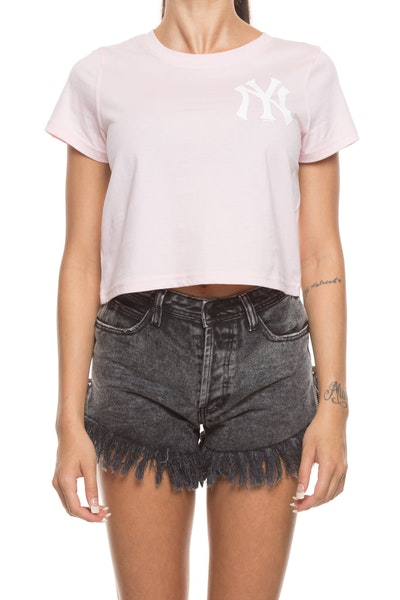 Majestic Athletic Women's Yankees Gypsa Crop Tee Pink