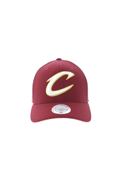 Mitchell & Ness Cleveland Cavaliers Hexagon Mesh Velcro Strapback Maroon