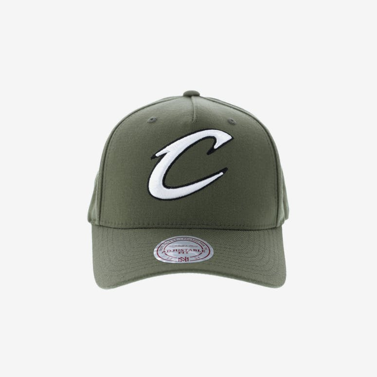b208396a269 Mitchell   Ness Cleveland Cavaliers 110 Pinch Snapback Olive – Culture Kings