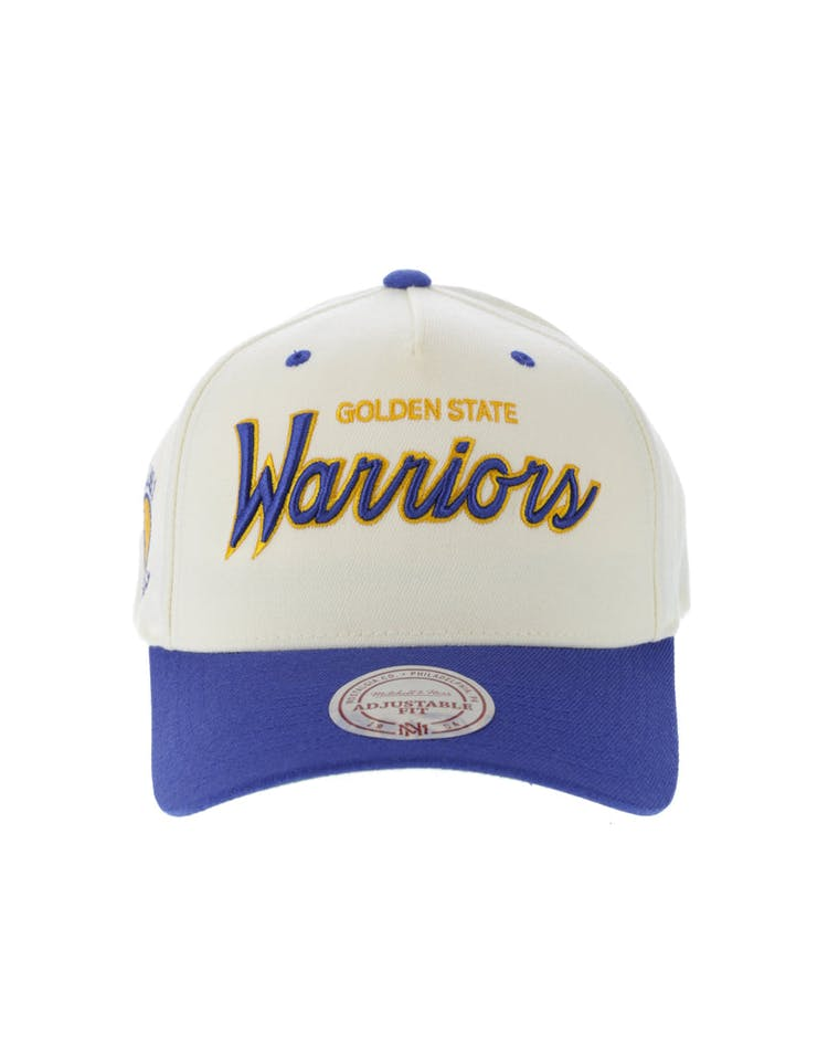 the best attitude 95de2 d1abe Mitchell   Ness Golden State Warriors Class Script 110 Snapback Off Wh –  Culture Kings