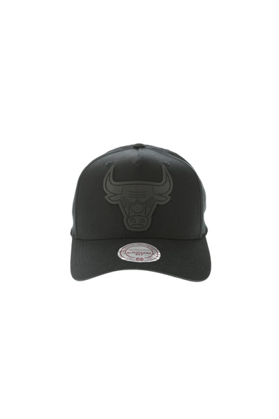 Mitchell & Ness Rubber Logo Chicago Bulls Pinch 110 Snapback Black