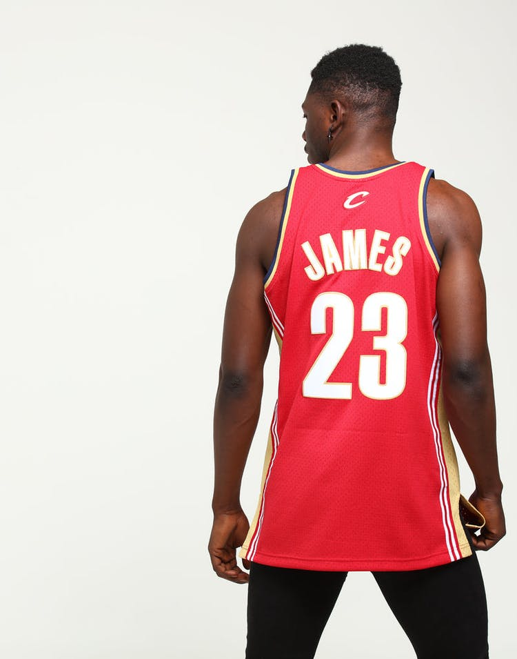 cf484e0c0ff Mitchell & Ness Cleveland Cavaliers LeBron James #23 Swingman Jersey  Burgundy/Gold
