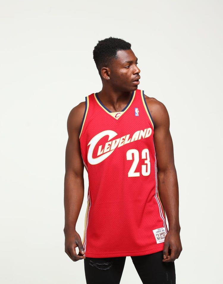 promo code d7d78 4995e Mitchell & Ness Cleveland Cavaliers LeBron James #23 Swingman Jersey  Burgundy/Gold