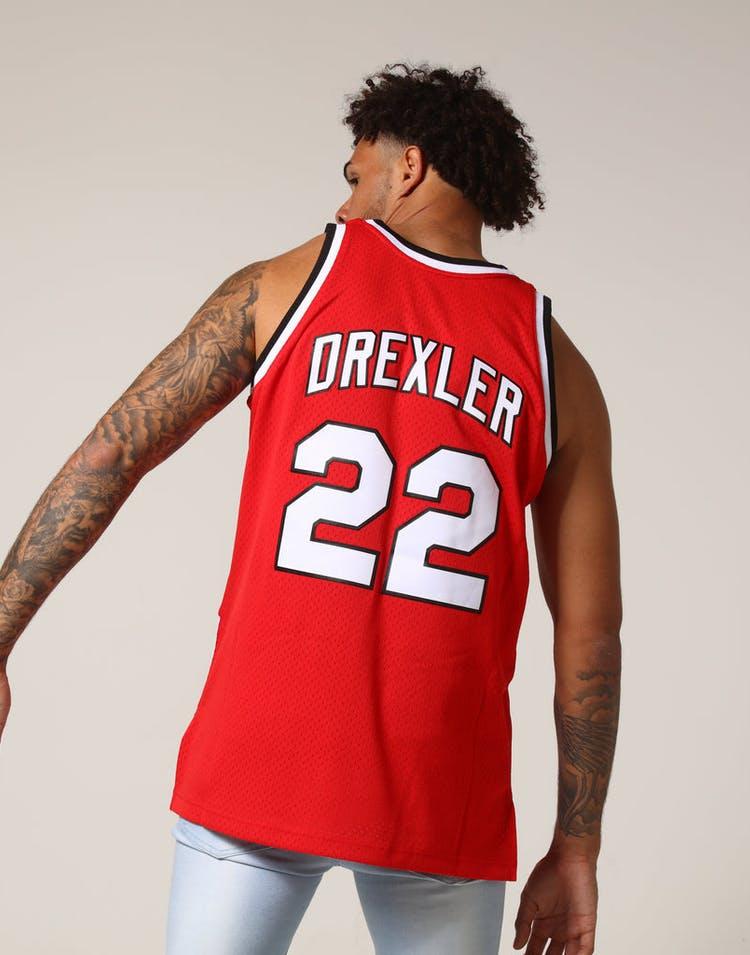8fb83ebdd28 Mitchell   Ness Portland Trail Blazers Clyde Drexler  22 NBA Jersey ...