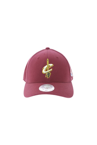 Mitchell & Ness Cleveland Cavaliers 110 Snapback Maroon