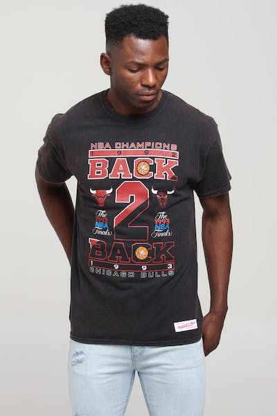 Mitchell & Ness Chicago Bulls B2B Vintage Champ Tee Black