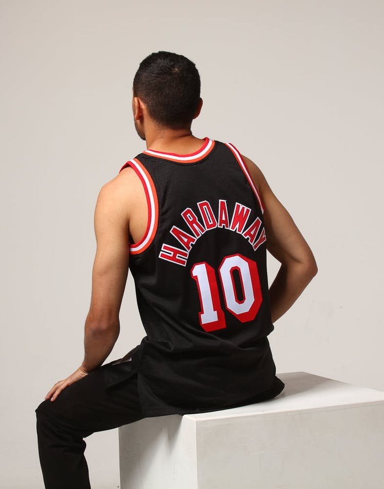 best sneakers 4cc1b f0edb Mitchell & Ness Miami Heat Tim Hardaway #10 NBA Jersey Black