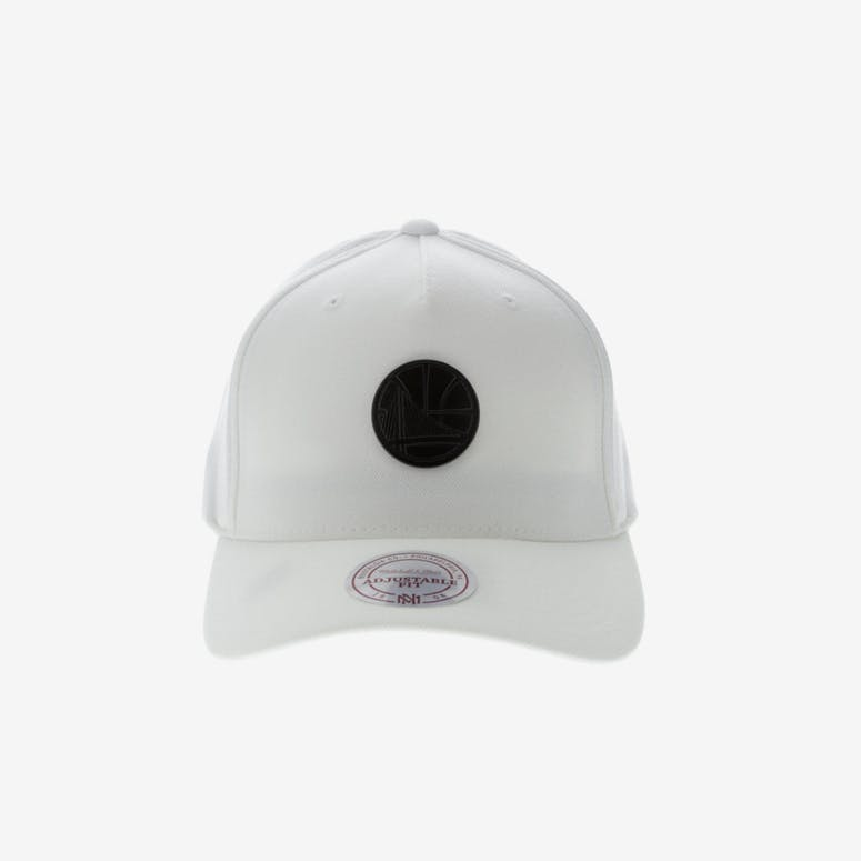 Mitchell   Ness Metal Badge Golden State Warriors 110 Snapback White – Culture  Kings 0862c90856b1