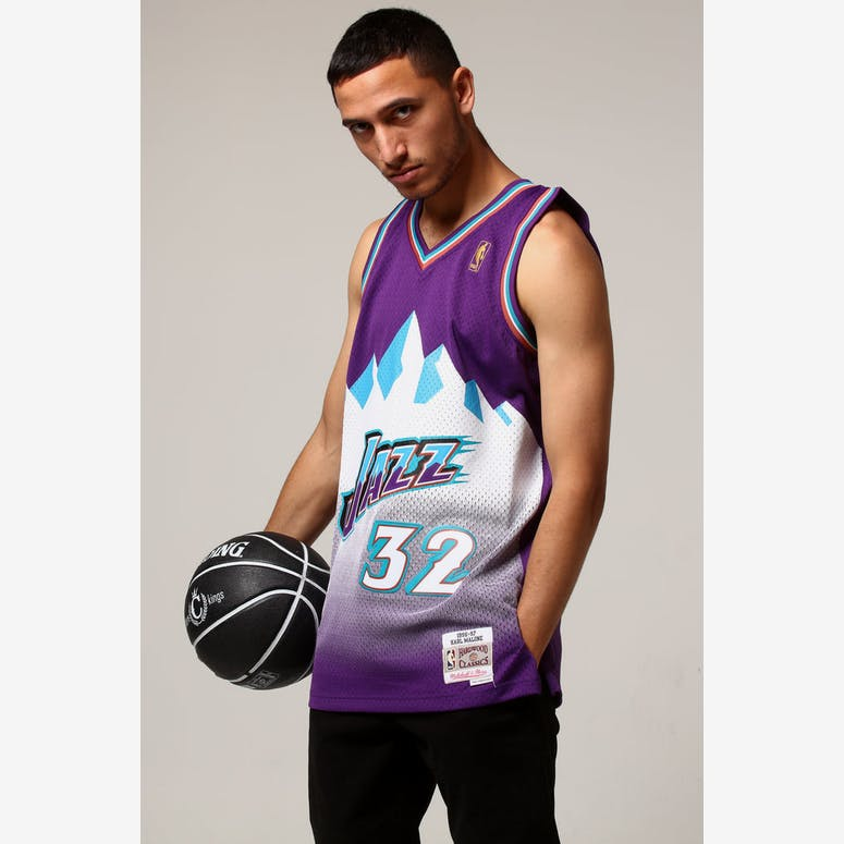 Mitchell   Ness Utah Jazz Karl Malone  32 NBA Jersey Purple – Culture Kings 2edd87abc