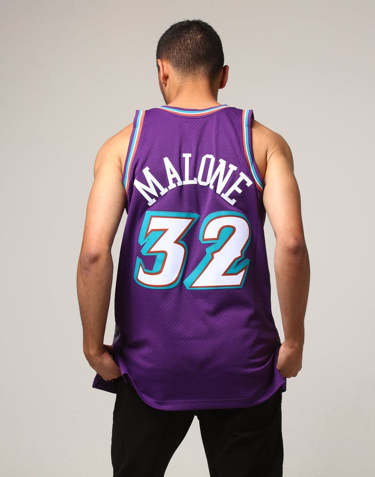 the latest d31fc 41b0f Mitchell & Ness Utah Jazz Karl Malone #32 NBA Jersey Purple