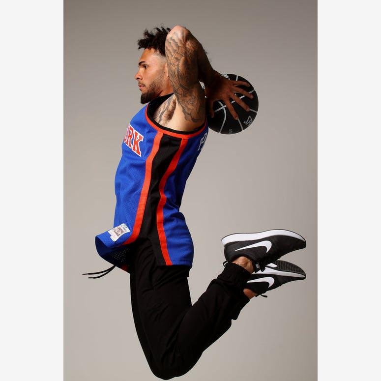1ea27b4fa Mitchell   Ness New York Knicks Latrell Sprewell  8 NBA Jersey Royal –  Culture Kings
