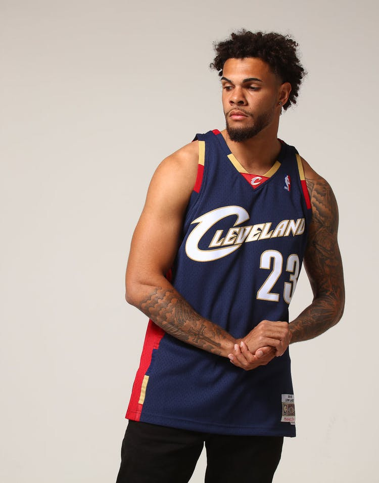 purchase cheap 594c2 0ef43 Mitchell & Ness Cleveland Cavaliers Lebron James #23 NBA Jersey Navy/Red