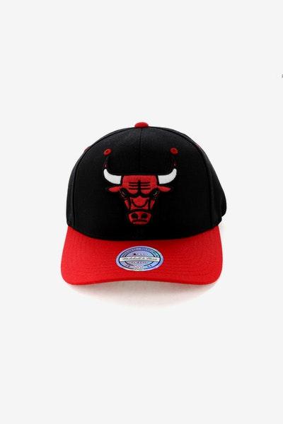 839c87c54a7 Mitchell   Ness Chicago Bulls Team Logo 2 Tone 110 Snapback Black Red